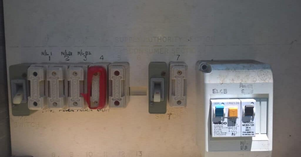 fuse box safety switches in the older home time to upgrade old fashioned fuse boxes old style fuse boxes #10